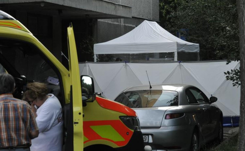 Tragikus fővárosi hír: ablakból kizuhanó ember esett rá egy babkocsit toló anyukára - mindketten meghaltak
