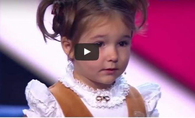 Ez hogy lehet? A 4 éves kislány 7 nyelven tökéletesen beszél, sőt még olvas is!