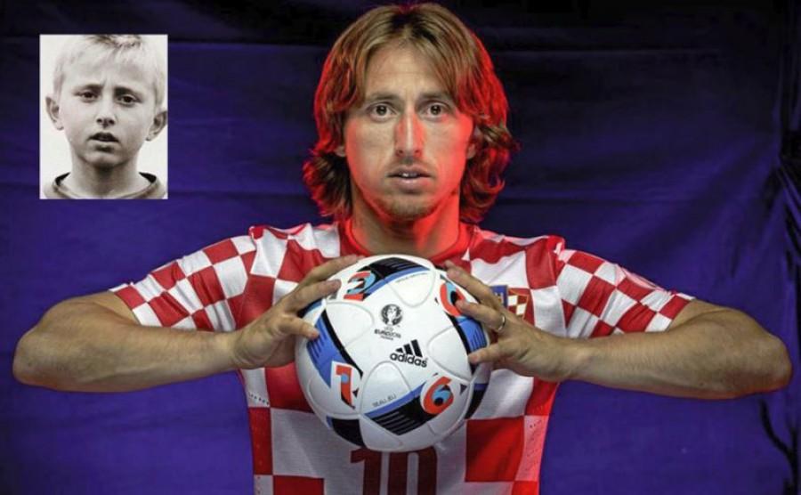 A vb legjobb játékosaként elismert sztár egykor kecskepásztor volt. Itt a videó, amin a hegyoldalban kecskéket terelget Luka Modric.