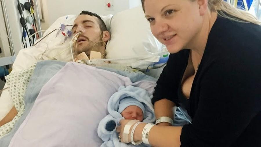 Az asszony elvitte pár órája született kisfiát kómában fekvő férjéhez. Két nap múlva hihetetlen dolog történt.