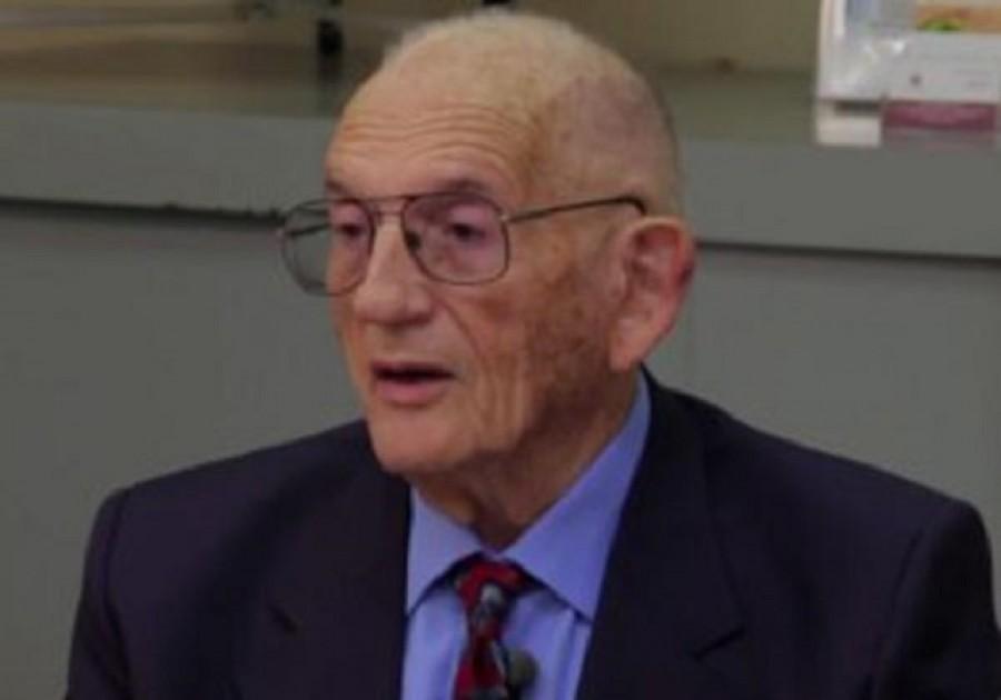 Így óvja meg magát az influenzától a 94 éves orvos