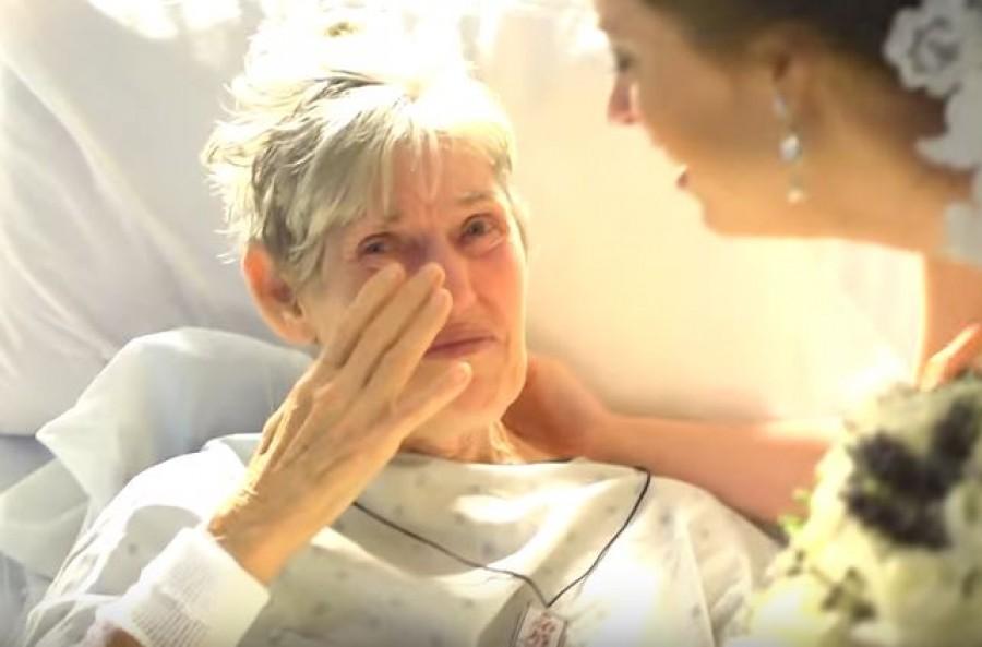 A nagymama betegsége miatt nem tudott ott lenni az esküvőn. Az unokája nem tudott belenyugodni.