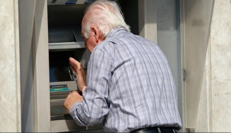 Bankszámlára jön a nyugdíj? Akkor ez érdekes lesz.