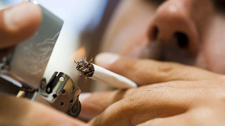 Ez kiverte a biztosítékot: levonhatják a fizetésből a cigiszüneteket