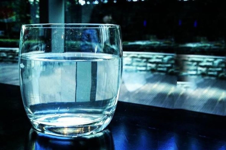Japán vízterápia - Nézd meg, mi történik, ha éhgyomorra vizet iszol