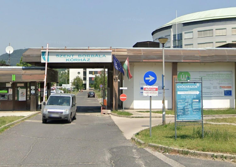 A tatabányai kórház betegápolója a 41 éves kisgyerekes apuka, aki koronavírusban halt meg