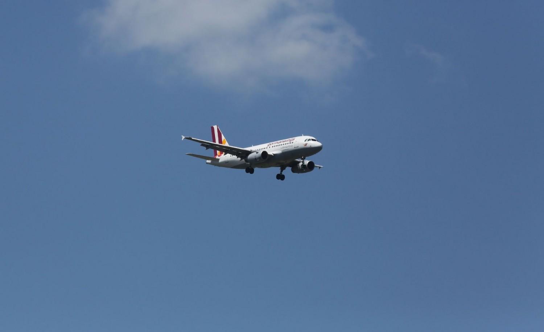 Lezuhant egy utasszállító repülőgép