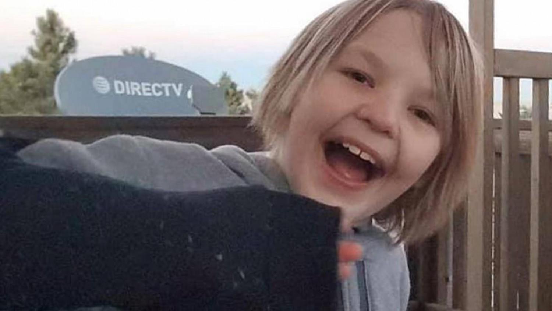 Meghalt egy 11 éves kisfiú, miután a szülei arra kényszerítették, hogy igyon több liter vizet