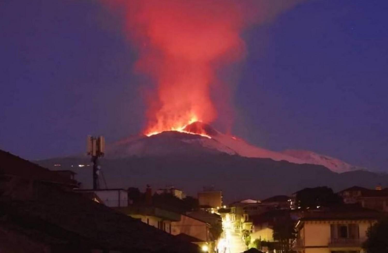 Kitört az Etna!